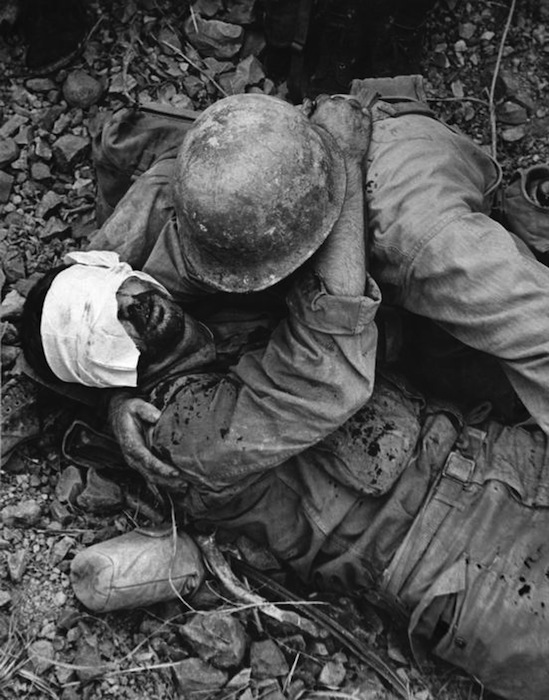 http://imgur.com/PeAonrL Reportage di guerra (1945)