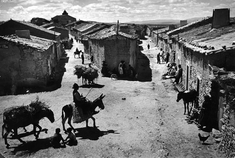 http://imgur.com/xVCdYX5 - The spanish village
