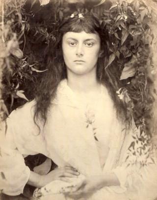 http://www.fineartsmag.com/wp-content/uploads/2014/11/Pomona-Alice-Liddell-1872.jpg