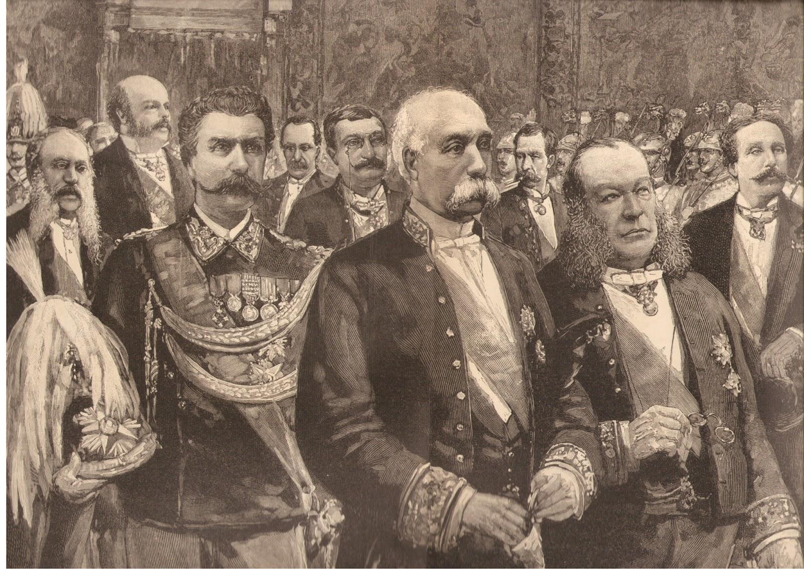 Al centro, Francesco Crispi, tra re e ministri http://2.bp.blogspot.com/-utpPtK6Vc0o/VpKnSMBfMhI/AAAAAAABWlQ/A_QlYrI7vt8/s1600/Crispi_e_ministri_al_Quirinale_nel_capodanno_1888.jpg