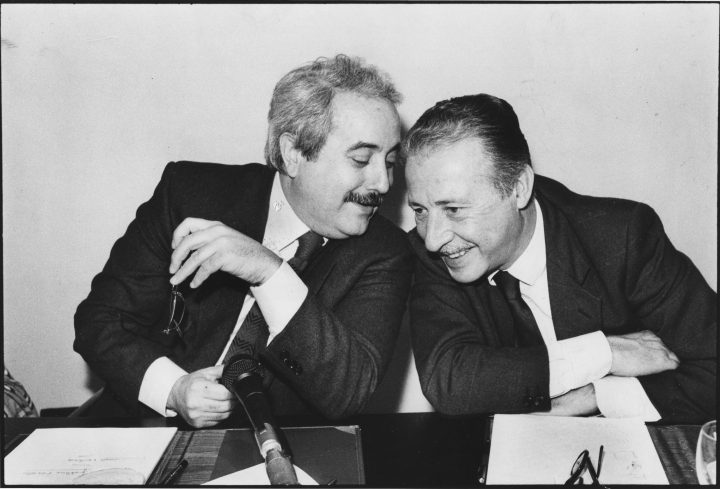 https://tuttoperlascuola.files.wordpress.com/2013/02/falcone-e-borsellino.jpg