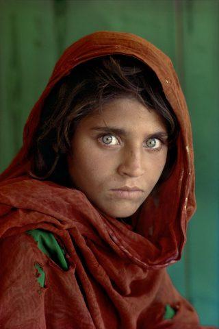 http://2.bp.blogspot.com/_6ck2UdBN5qw/S_j8GduKk3I/AAAAAAAABu0/QvlkXYXYdN0/s1600/Steve+McCurry,+Afghan+Girl.jpg