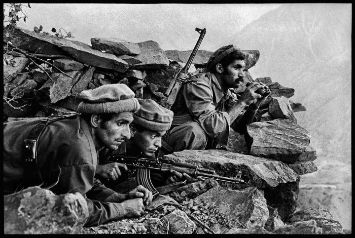 http://www.travellingaround.org/nblog/wp-content/uploads/2014/05/Afghanistan-Steve-McCurry-9.jpg