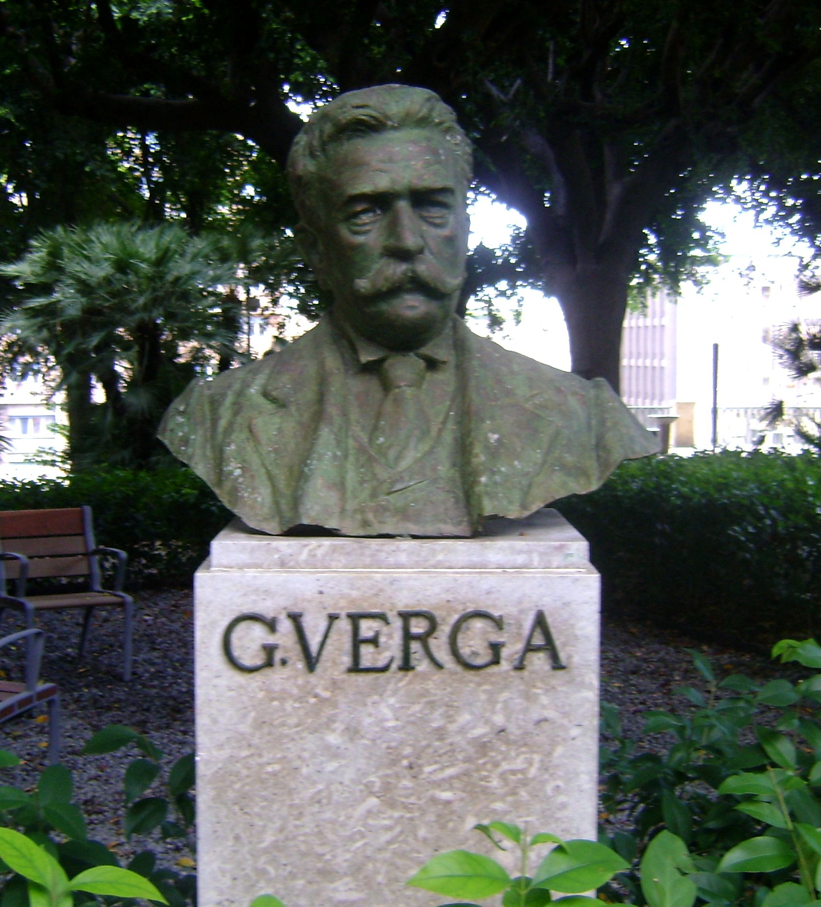 https://upload.wikimedia.org/wikipedia/commons/1/1b/Verga.jpg