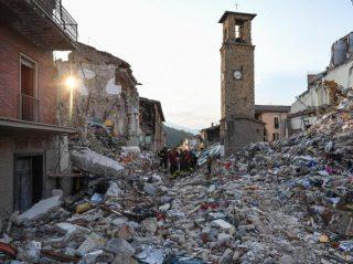 http://roma.corriere.it/notizie/cronaca/16_settembre_06/furti-case-sventratesciacalli-trasferta-roma-da1aba64-7462-11e6-b267-7b6340139127.shtml