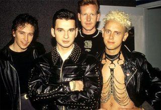 http://www.radiolucrethia.com/sito/depeche-mode.html